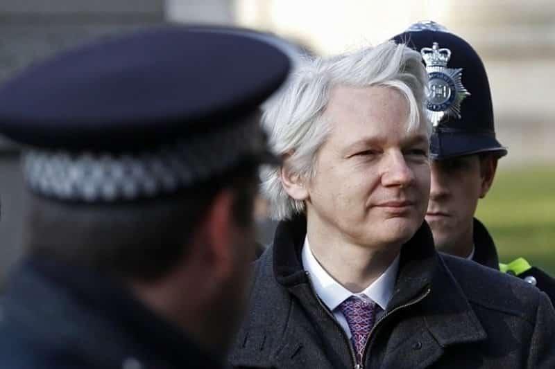 Julian Assange - hackers más famosos