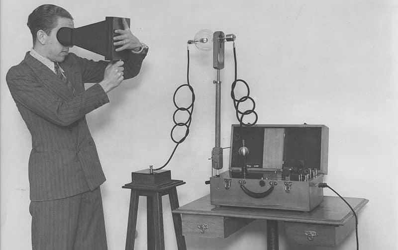 Fluoroscopio - invento importante de Thomas Alva Edison